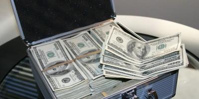 Dólar em papel como investimento, vale a pena?